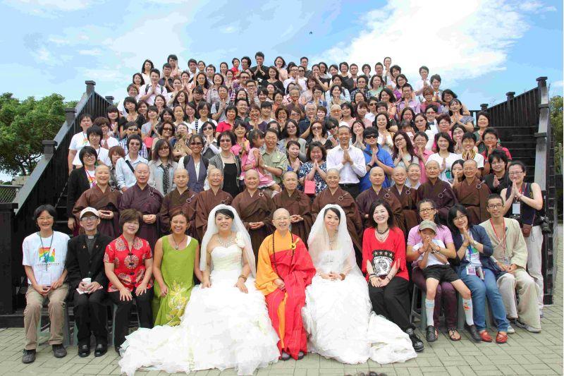 2012.08.11 舉行全球第一個同志佛化婚禮。地點:桃園縣觀音鄉,佛教弘誓學院。  圖片來源:玄奘大學