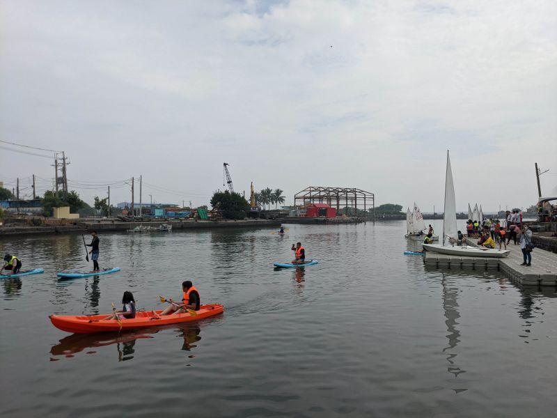 遊汕玩水-獨木舟體驗  圖片來源:高市府海洋局