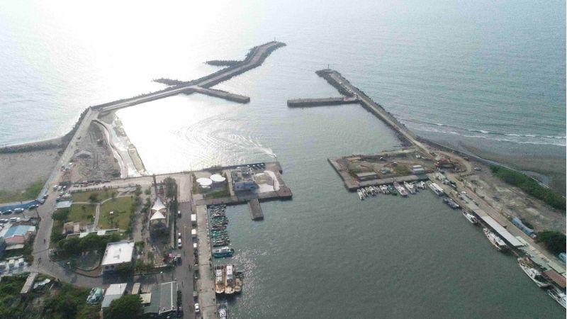 彌陀漁港俯瞰。